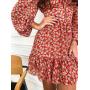 Красное платье в цветочек с воротником