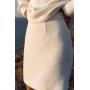 Молочный костюм с мини юбкой