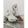 Модные белые кроссовки Италия