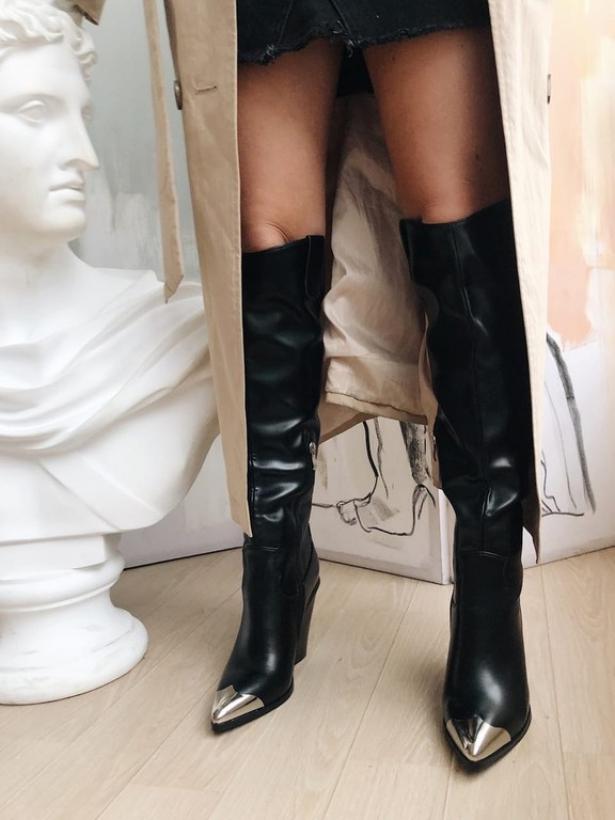 Черные сапоги с металлическими носочками Италия
