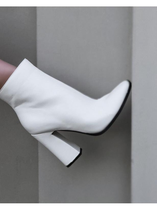 Белые ботильоны на каблуках Италия