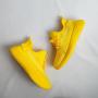 Желтые текстильные кроссовки