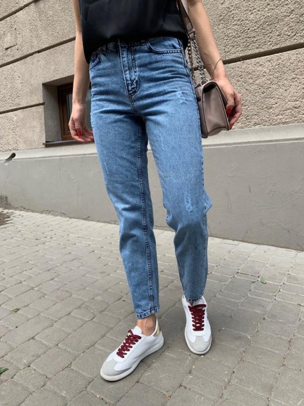 Синие джинсы mom