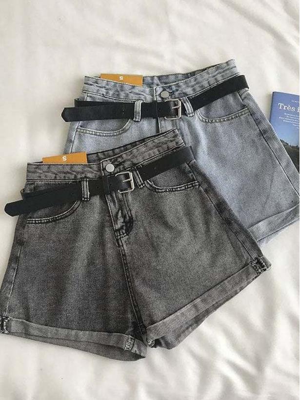 Джинсовые шорты с заниженным ремнем