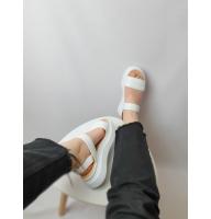 Белые босоножки на платформе из кожи