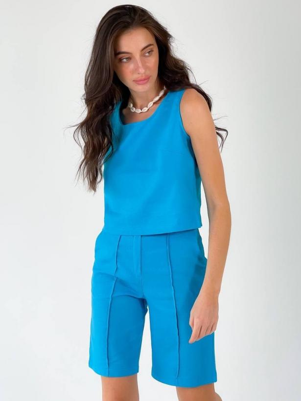 Голубой льняной костюм шорты бермуды и топ