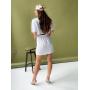 Белое льняное платье с разрезом на спине