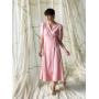 Розовое льняное платье миди на запах