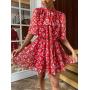 Красное платье в цветы с воротником аскот