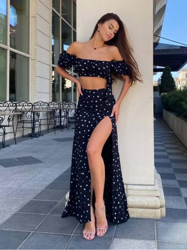 Черный костюм топ и длинная юбка с разрезом