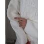 Молочный хлопковый свитер крупной вязки с косами