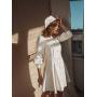 Белое кожаное платье с беретом