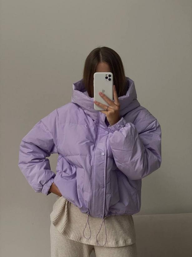Демисезонная объемная куртка с капюшоном