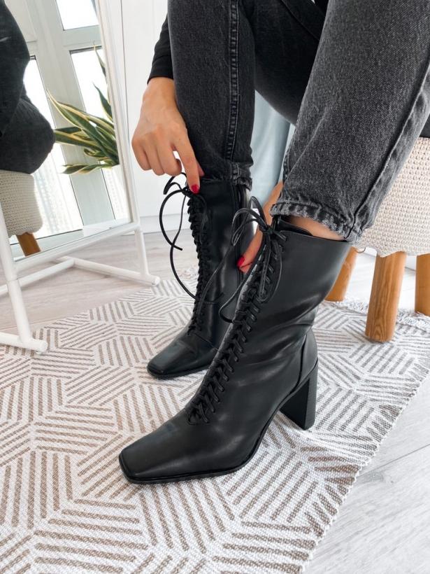 Черные ботильоны на каблуках со шнуровкой Италия