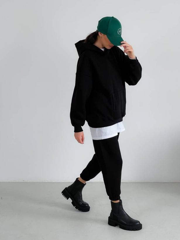 Черный костюм с капюшоном на флисе