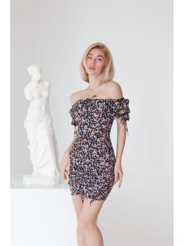 Цветочное платье мини с затяжками по бокам