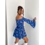 Синий комбинезон с открытыми плечами
