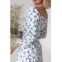 Белое приталенное платье миди в голубой цветок