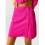 Ярко-розовый костюм кроп-рубашка и мини юбка