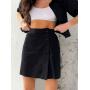 Черный костюм кроп-рубашка и мини юбка