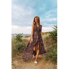 Черное асимметричное платье в цветочек