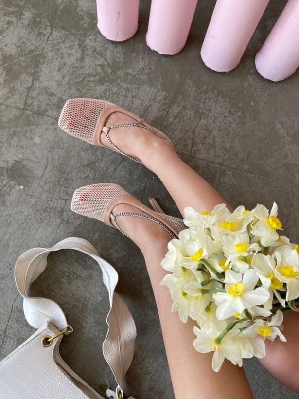 Бежевые сетчатые туфли на шпильках Италия