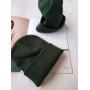 Темно-зеленая шапка бини