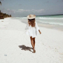 Белая пляжная туника с кружевом