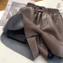 Кожаные шорты на резинке