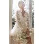 Белое платье мини с объемными цветами
