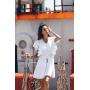 Белое льняное платье с рюшами