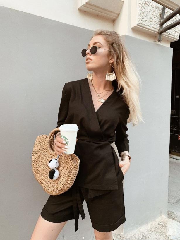 Черный льняной костюм с шортами