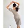Льняное облегающее платье миди