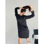 Черное прямое платье с длинным рукавом