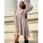 Розовое шелковое платье с V декольте