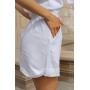 Белый льняной костюм с шортами