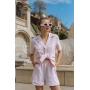 Розовый льняной костюм с шортами