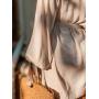 Бежевое платье кимоно с пышными рукавами