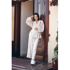 Бежевый брючный костюм кимоно